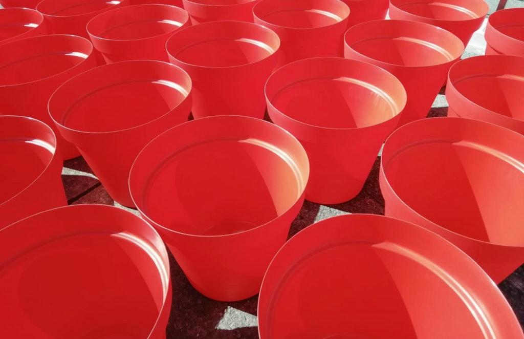 120 rote Pflanzgefäße sollen Himmelstadt zur 1200-Jahrfeier schmücken